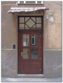 klatka-5-nowe-drzwi-ok.jpg